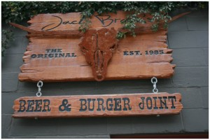 jack-browns-beer-and-burger-joint-nashville-front-door