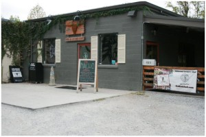jack-browns-beer-burger-joint-nashville-front-of-building